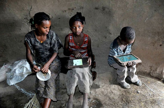 Ethiopian kids hack OLPC tablets in 5 months with zero instruction